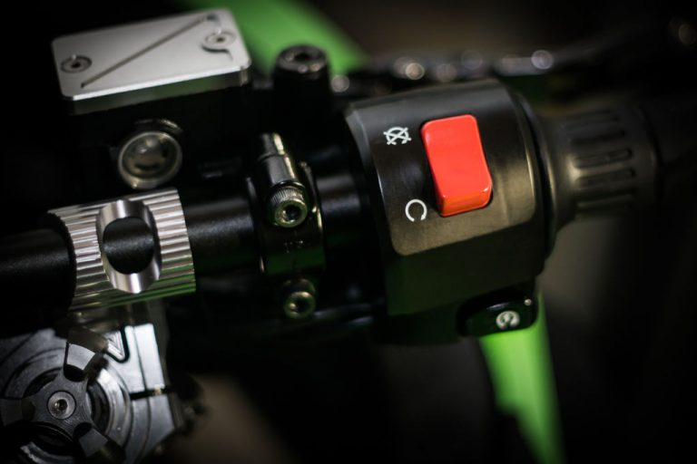 A remote engine kill switch on the other hand is a pretty useful feature for a motorcycle alarm system.