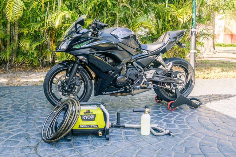To best take care of motorcycle detailing, you'll need a few things. I'll be going over how to clean a motorcycle on this 2017 Kawasaki Ninja 650.